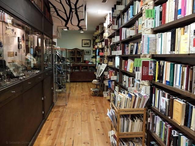 La Nave joyeria artesanal librería anticuaria